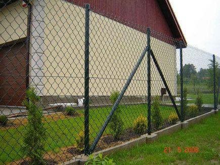 Rozmaite formy ogrodzeń