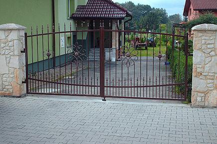 Jak dobrać bramę wjazdową
