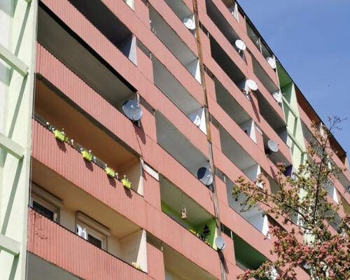 Jeszcze kilka lat i ilość anten przekroczy ilość balkonów w blokach.
