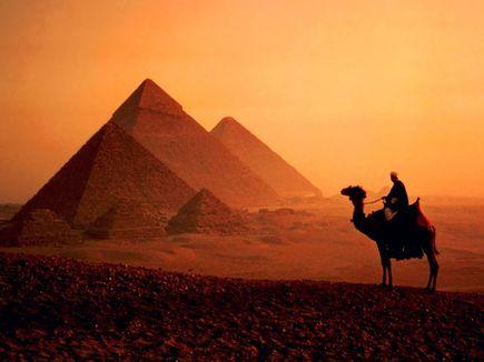 Czym różni się porównywarka podróży od tradycyjnej agencji turystycznej?