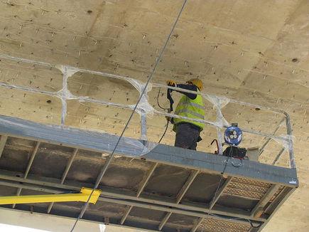 Uszczelnianie pęknięć w betonowych konstrukcjach