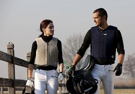 Stosowanie kamizelek ochronnych w jeździectwie