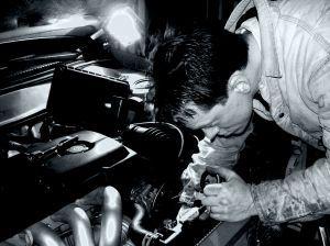 Jak powinien być wyposażony warsztat mechaniki samochodowej?