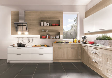 Podczas aranżacji kuchni wybrać kolory ponadczasowe czy aktualne trendy