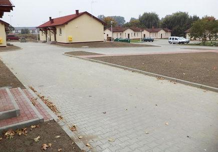 Z jakiego rodzaju kostki brukowej zbudować drogę dojazdową do osiedla?