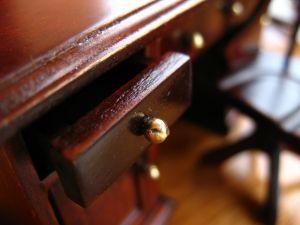 Urządzamy studenckie mieszkanie – stare meble