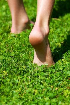 Czy chodzenie boso i bieganie boso jest zdrowe?