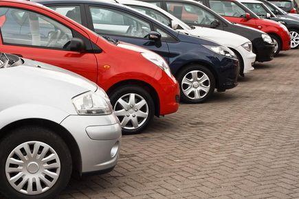 Jak kupić używany samochód i czego się wystrzegać?