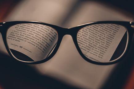 Jakie szkła do okularów wybrać? – wady i zalety szkieł