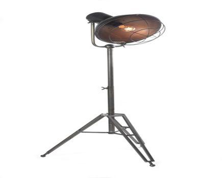Lampy stojące do salonu - jak dobrać lampę do wielkości salonu? Przegląd najciekawszych propozycji