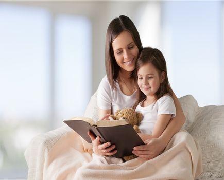 Bajki terapeutyczne dla dzieci - jak leczą?