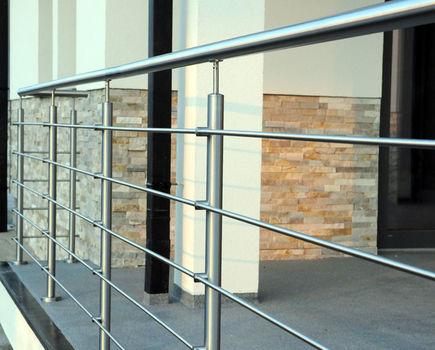 Balustrady balkonowe - 3 rzeczy, o których trzeba pamiętać
