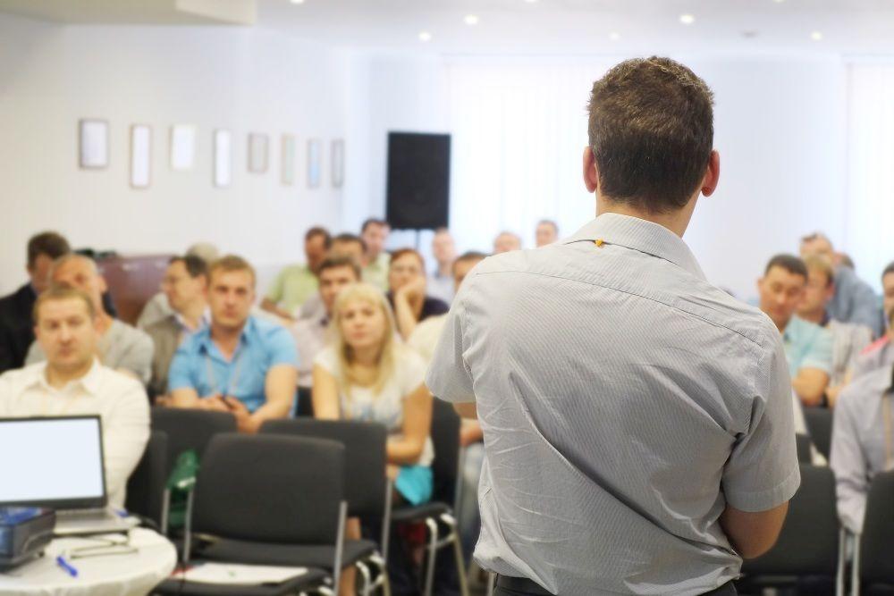 Obcokrajowiec w Polsce? Sprawdź jakie możliwości na opanowanie języka polskiego znajdują się w zasięgu ręki!