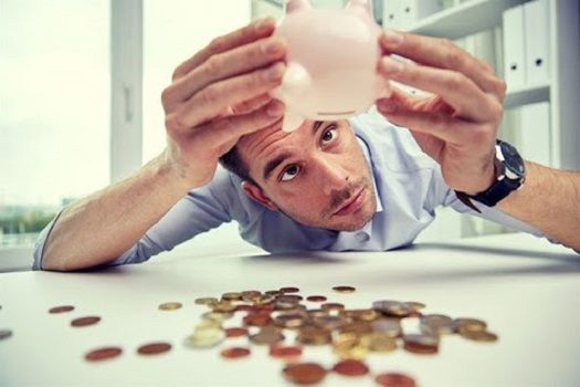 Masz długi, jednak potrzebujesz pożyczki – gdzie dostać pieniędzy