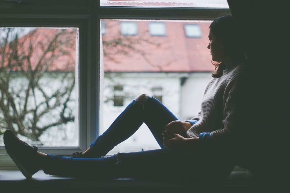 Sygnały, które świadczą o depresji. Nie lekceważ tego. Szukaj pomocy!