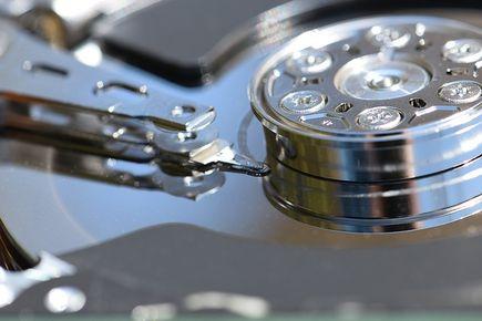 Jak odzyskać dane z uszkodzonej macierzy RAID?