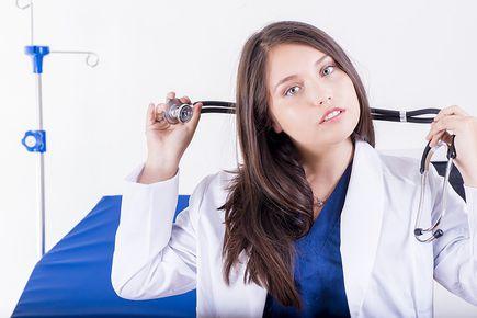 Jaką odzież medyczną wybrać, by pog...