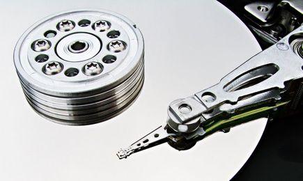 Odzyskiwanie danych samodzielnie, czy za pośrednictwem wyspecjalizowanej firmy?