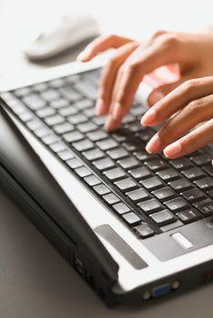 Bezpieczeństwo dokumentów online - jak zadbać o swoje dane?