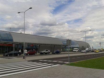 Historia portu lotniczego Warszawa-Modlin