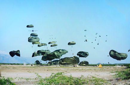Skok ze spadochronem? Spróbuj i ty!