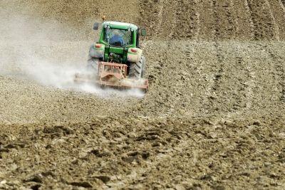 Wzrost cen ziemi w związku z perspektywą zniesienia ograniczeń w sprzedaży gruntów obywatelom Unii