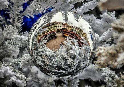 Pajęcza sieć i hiszpańska loteria – świąteczna podróż po Europie