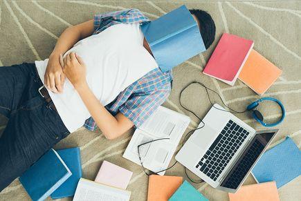 Praca dyplomowa opisowa a badawcza