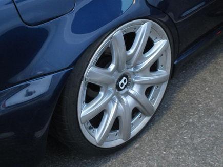 Felgi w Twoim samochodzie wymagają renowacji? Pomaluj je proszkowo.