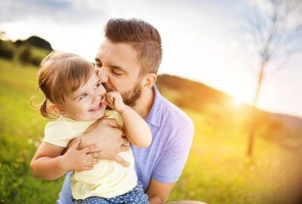 Jak pomóc ojcu wejść w rolę taty?