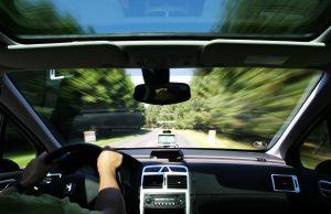GPS z kamerą w aucie – kiedy może być przydatny?
