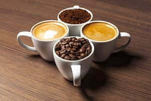 Pyszna kawa w pracy – wybieramy ekspres ciśnieniowy do biura