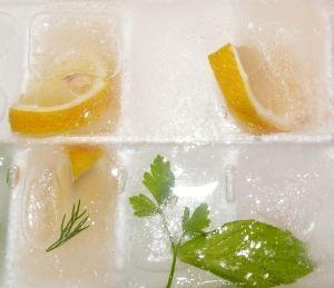 Orzeźwienie latem – pomysły na drinki z kruszonym lodem
