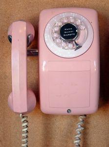 Telefon stacjonarny – komu jest potrzebny?