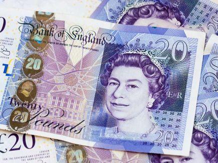 Dlaczego Anglicy mają więcej pieniędzy niż Polacy