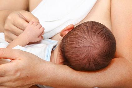 Czy karmienie piersią zabezpiecza przed zajściem w ciążę