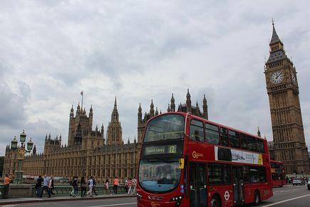 Dlaczego coraz więcej osób decyduje się na przeprowadzkę do Anglii?