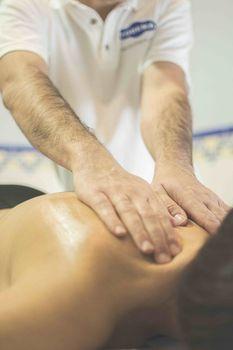 Zdrowy dotyk- czyli czym jest terapia manualna?