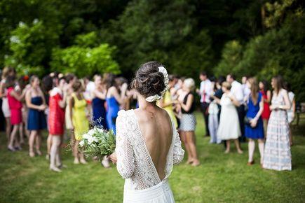Co założyć na letnie wesele?