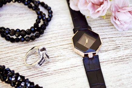 Jak dobrać odpowiednią bransoletkę do stroju?