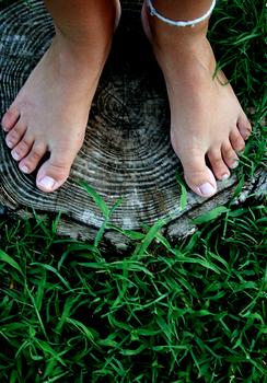 Wizyta u dermatologa czy leczenie w domu? Problem wrastających paznokci.