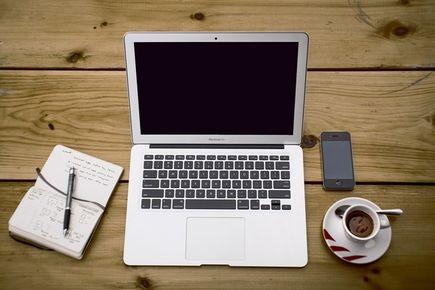 Jak dbać o baterię w laptopie, by wydłużyć jej żywotność?
