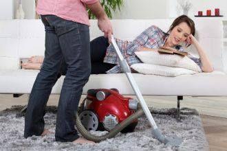 Jak skutecznie wyczyścić dywan z długim włosem