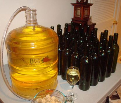 Jak skompletować domowy sprzęt winiarski?