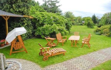Na czym odpocząć w ogrodzie?