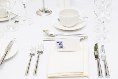 Jak wybrać uniwersalną zastawę obiadową?