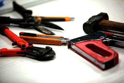"""Naklejki z logo firmy - """"podpisz"""" swoje narzędzia!"""