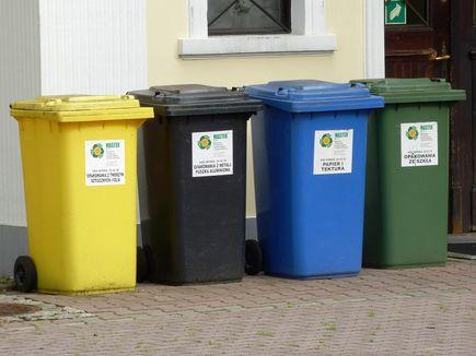 Jak rozróżnić naklejki do segregacji odpadów