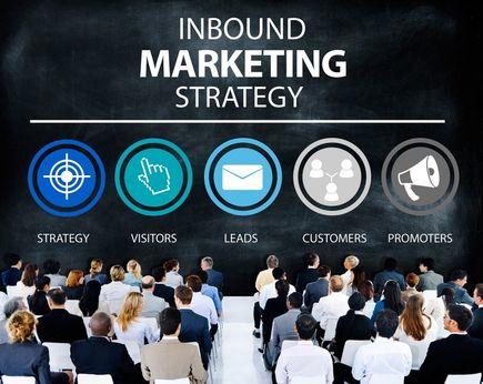 Jak skutecznie i długofalowo reklamować usługi w internecie?