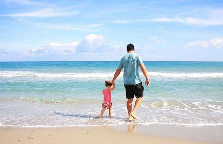 Nuda i tłok, czyli plaża. Co jeszcze nad morzem – 3 propozycje.